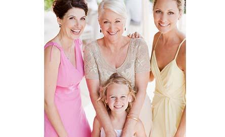 elegante kleider für die brautmutter  breuninger