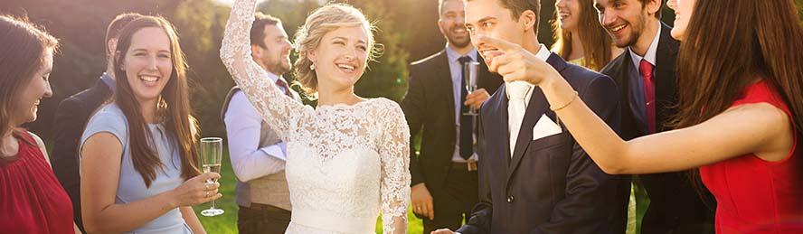 Kleider Fur Die Hochzeit Online Bestellen Breuninger
