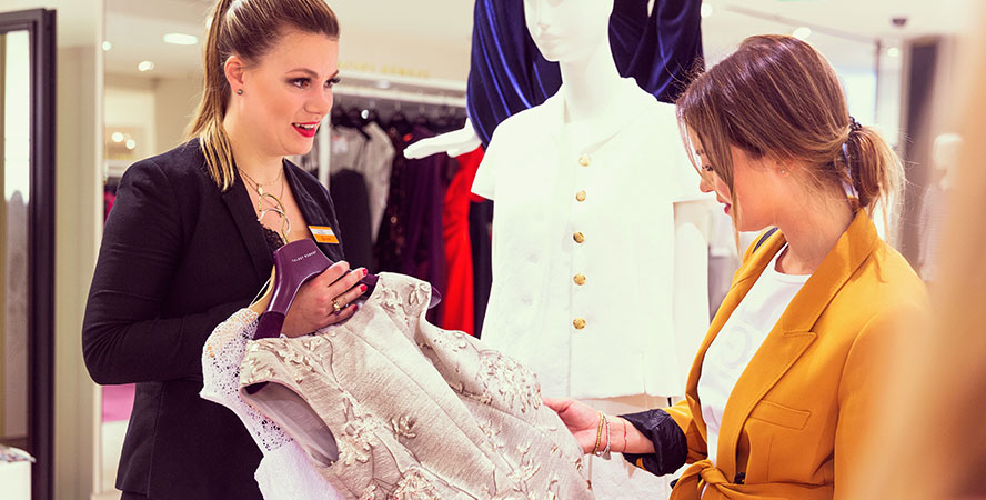 Outfit-Beratung für die Hochzeit    BREUNINGER 0bb40fbc7d